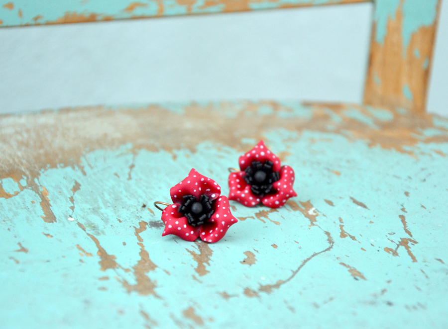 Poppy flower polymer clay earrings 1