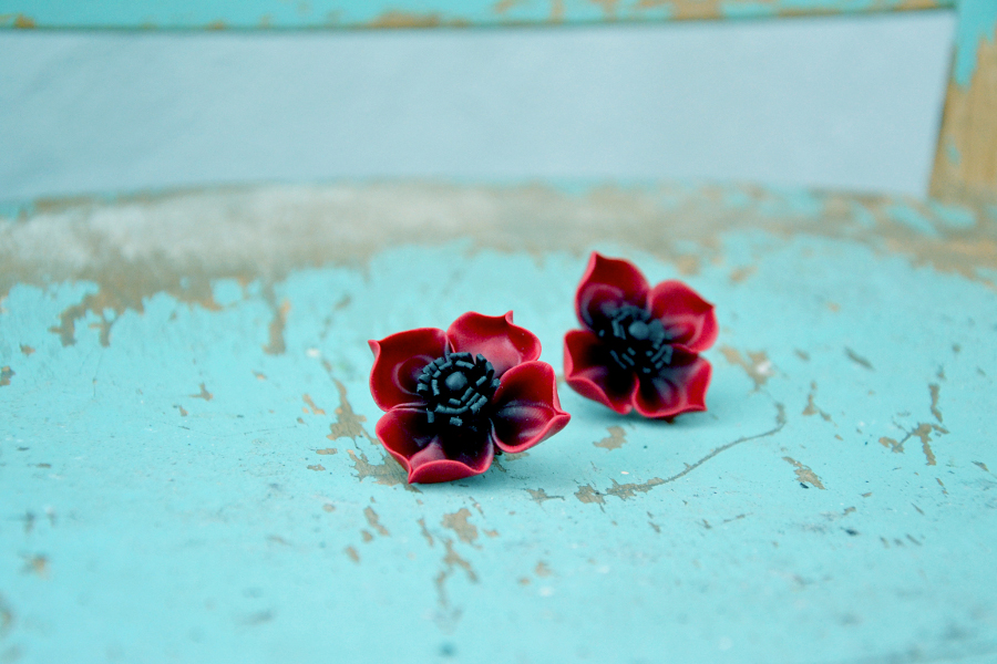 Poppy flower polymer clay earrings 2